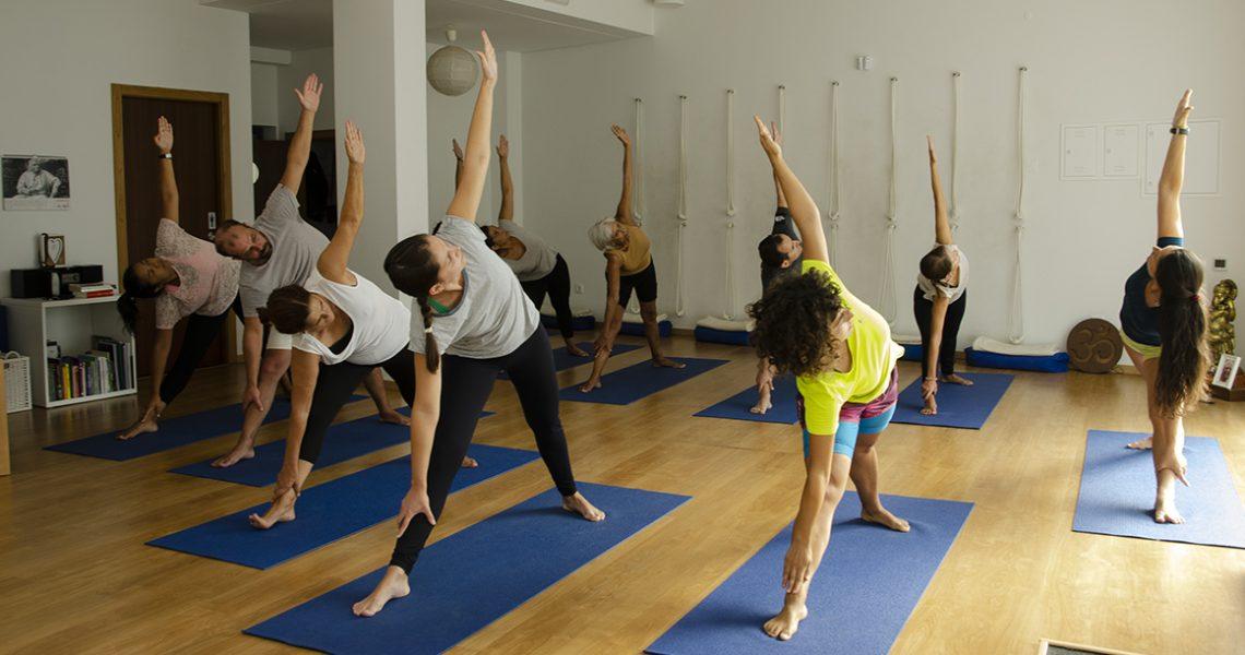 E porque hoje é o dia Internacional do Yoga