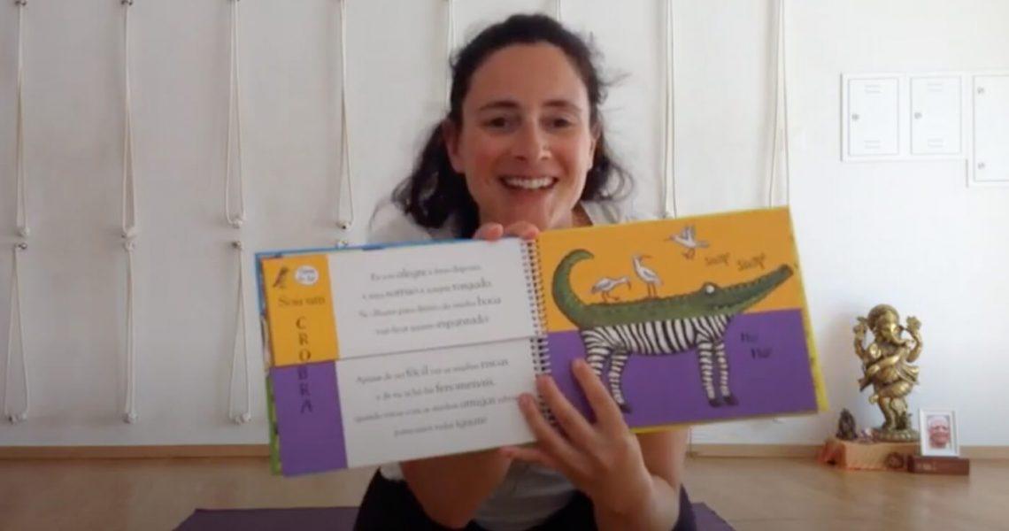 Aula de Yoga dirigida aos mais pequenos. Nesta aula juntamos animais da selva e criamos uns novos, muito engraçados! O livro chama-se - Vira e combina na Selva. Se gostarem subscrevam o nosso canal.