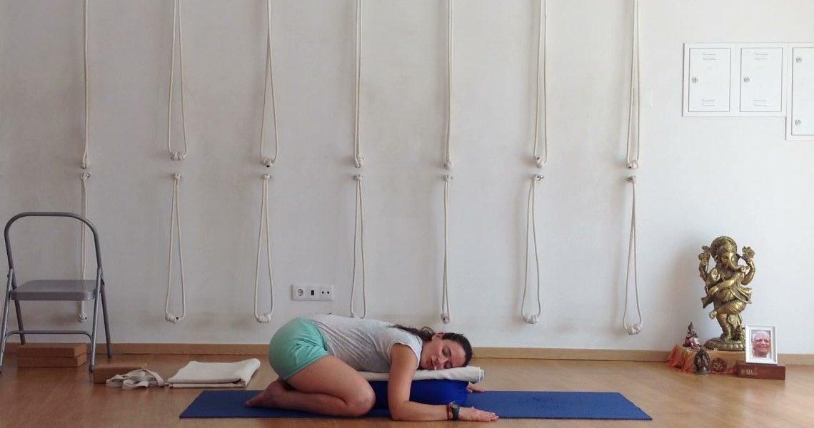 Iyengar Yoga para a zona lombar